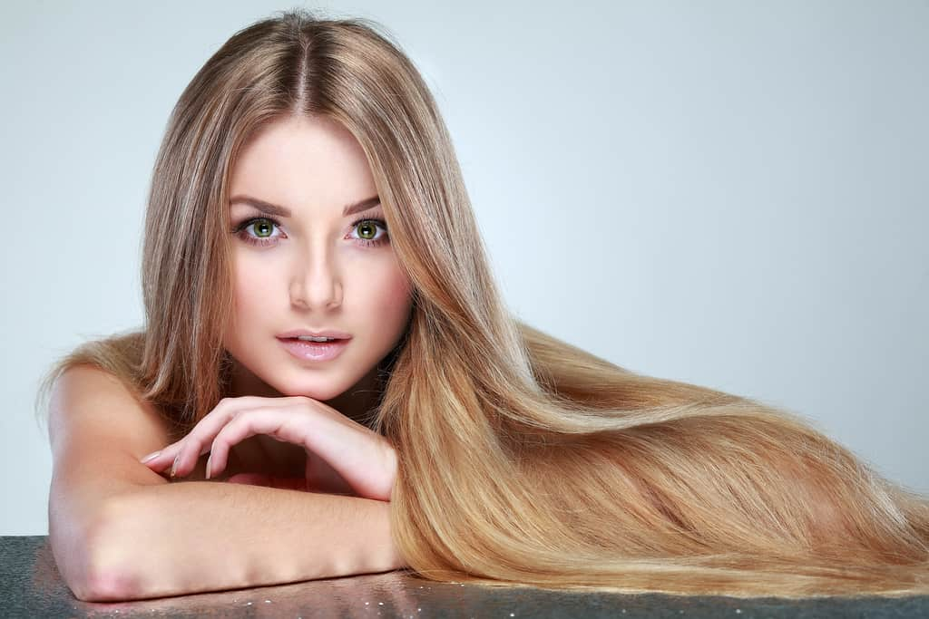 There are effective hair remedies that you can apply to treat split ends.