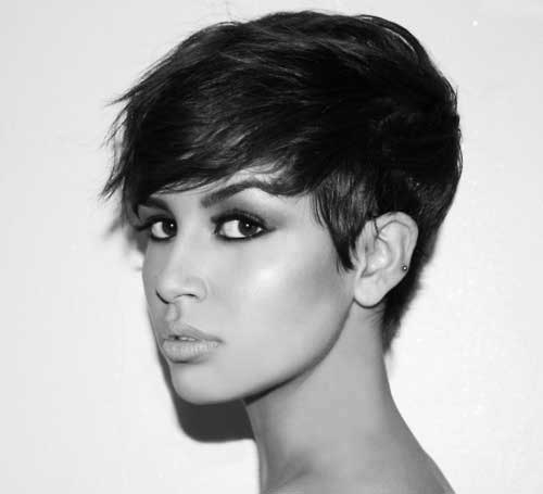 The girl is rocking this sleek cut; it's beyond perfection.